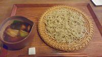 京都御所の前の小さなお蕎麦屋