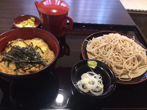 鰻がお昼に1000円以下でお蕎麦と食べれるお店