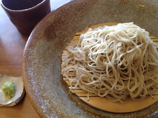 穂高神社の鳥居下すぐ 「蕎麦 とりい」(安曇野市)