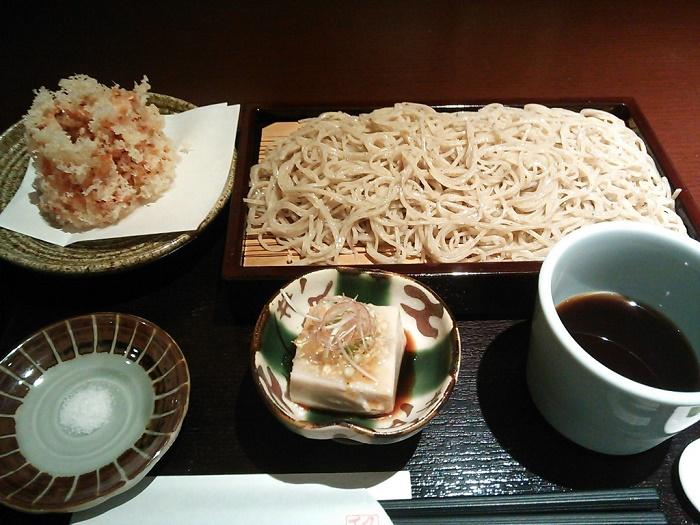 香りの良いお蕎麦と桜海老かき揚げが絶品