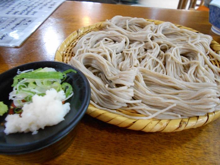 戸隠神社中社 100余年の歴史のある蕎麦屋 「岩戸屋」(長野市)