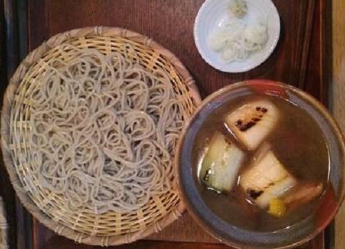 秋田産と新潟産 「江戸流手打蕎麦 蕎心(そばこころ)」(文京区)