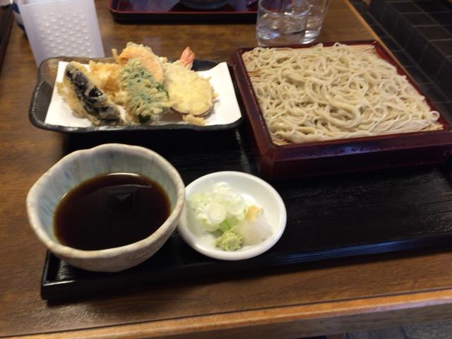 伝統を重んじた二八の手打ちそば「伊豆庵」(横浜市)